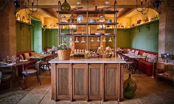 Clover Gordes restaurant