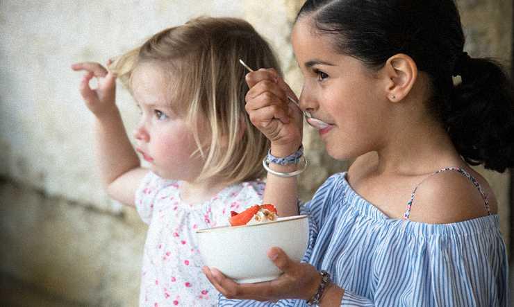 Dégustation de glaces par les enfants